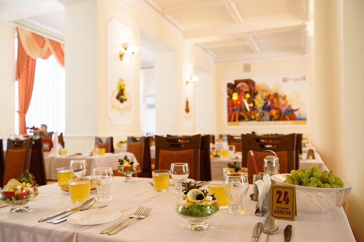 Ресторан, отель Судак с питанием